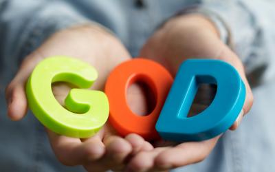 Dio è a sé